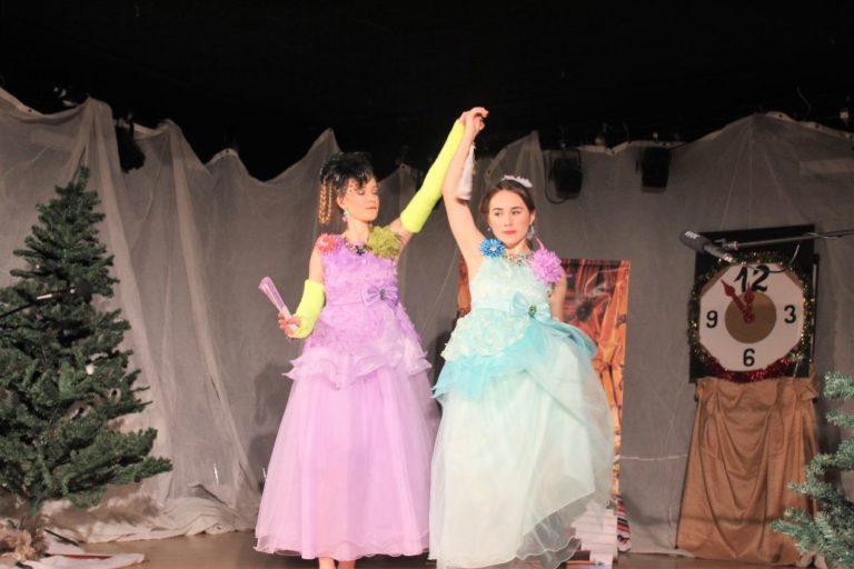 IMG_9538 Stiefschwestern tanzen