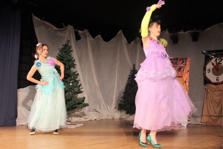 IMG_9540 Stiefschwestern tanzen